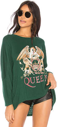 Daydreamer Queen Crest Football Tee