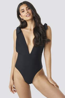 Hot Anatomy Plunge V-Neck Swimsuit Black