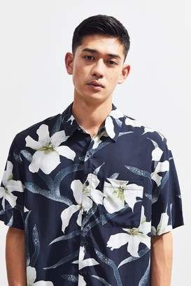 Urban Outfitters Black Floral Hawaiian Short Sleeve Button-Down Shirt