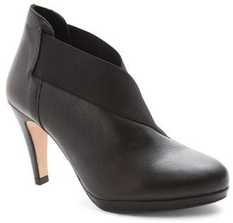 Andre Assous 'Cate' Bootie (Women) $199.95 thestylecure.com