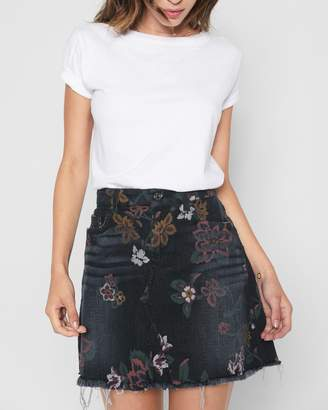 7 For All Mankind A Line Mini Skirt with Raw Hem in Print on Noir