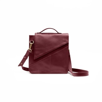 Holly & Tanager Wanderer Leather Crossbody Purse In Burgundy