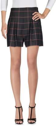 Hanita Shorts