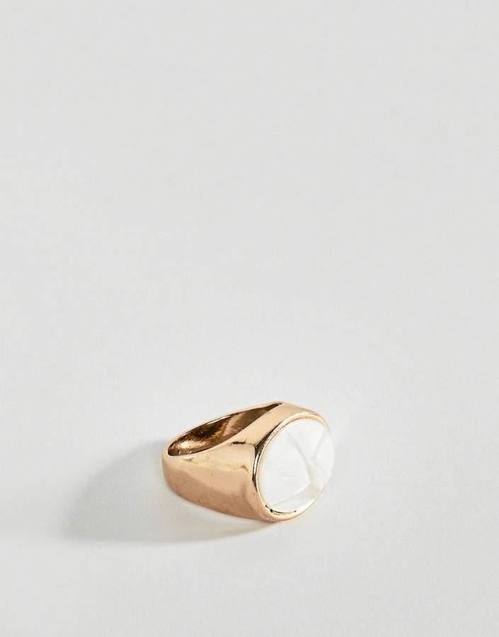 DesignB London DesignB signet ring in gold with stone