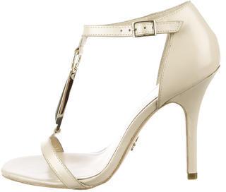 Pour La Victoire Yolanda Sandals $125 thestylecure.com