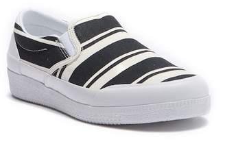 Hunter Canvas Plimsoll Garden Striped Slip-On Sneaker