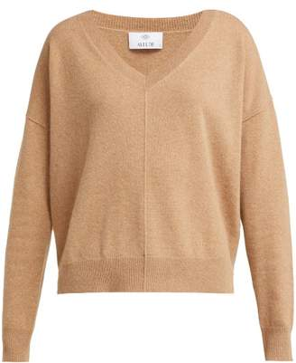 Allude V Neck Cashmere Sweater - Womens - Camel