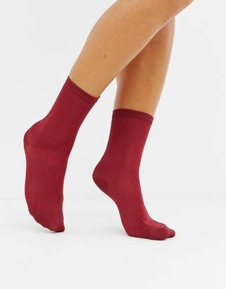Monki ribbed socks in burgundy