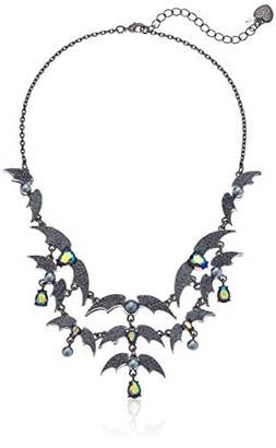 Betsey Johnson GBG) Betsey's Dark Magic Bat Bib Necklace