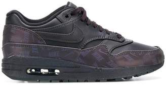 Nike 1 Lux trainers