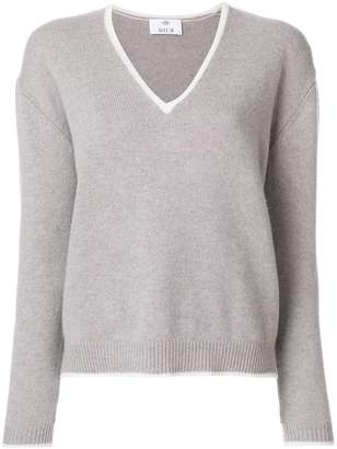 Allude V-neck pullover