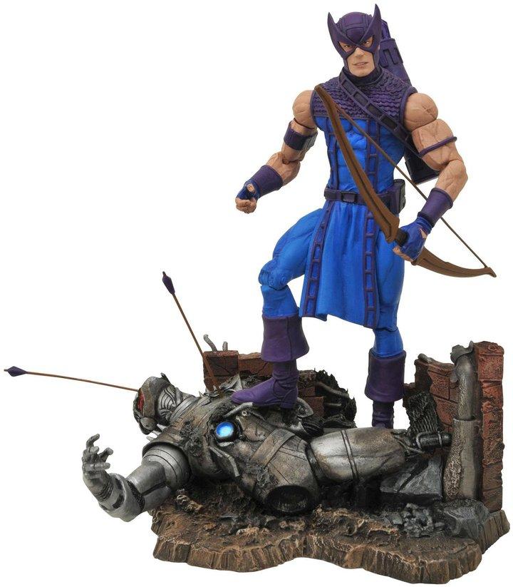 Diamond Select Toys Marvel Select Classic Hawkeye Action Figure