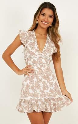 Showpo Down time dress in blush floral - 10 (M) Engagement Dresses