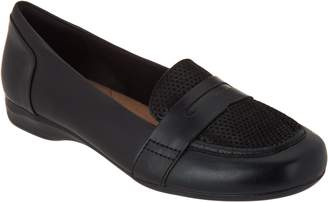 Clarks Leather Slip on Loafers - Kinzie Willow