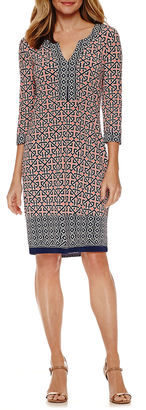 LIZ CLAIBORNE Liz Claiborne 3/4 Sleeve Shift Dress $60 thestylecure.com