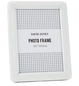 "David Jones {@@=Ist. Core. Helpers. StringHelper. ToProperCase(""Deco Metal Photo Frame, 5 x 7""/ 13 x 18 cm"")}"