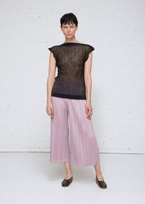 Issey Miyake Sleeveless Twist Border Top