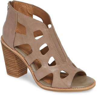 Sofft Pazia Block Heel Sandal