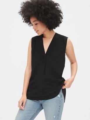 Gap Sleeveless V-Neck Popover Shirt