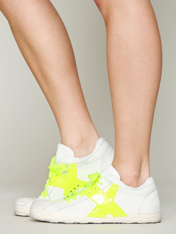 O.x.s. Tennis Shoe