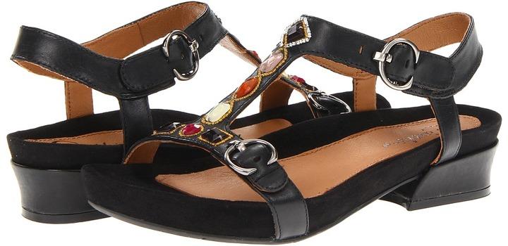 Earthies Santini Too (Black Leather) - Footwear