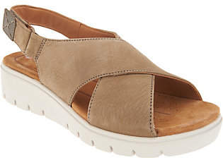 Clarks Leather Low Wedge Sandals -Un Karely Hail