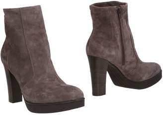 Donna Più Ankle boots - Item 11501451WQ