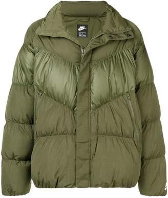 Nike classic fill down puffer jacket