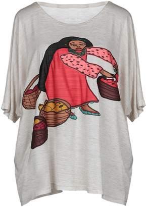 Pleats Please Issey Miyake T-shirts