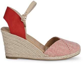 Me Too Shoes Brenna Envelope Wedge Sandals