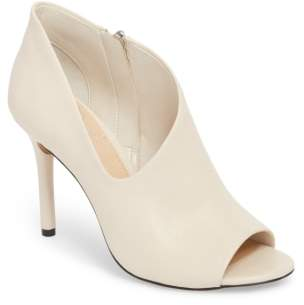 Vince Camuto Careeta Pump