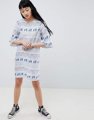 Daisy Street Shift Dress with Frill Sleeve in Elephant Print
