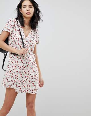 Honey Punch Wrap Dress In All Over Ditsy Rose Print