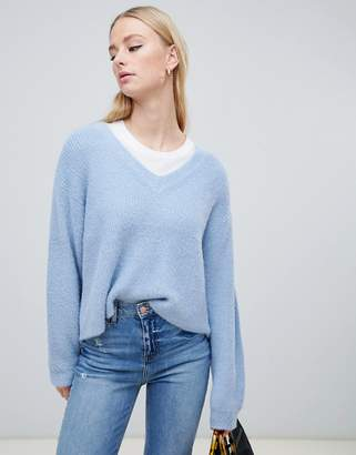 New Look v neck fluffy sweater in blue