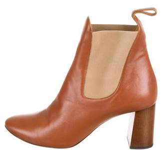 Chloé Pointed-Toe Ankle Boots
