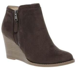 Time and Tru Women's Wedge Boot