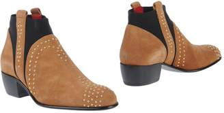 Cesare Paciotti Ankle boots - Item 11505948WH