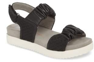 Bernie Mev. Fiji Sandal