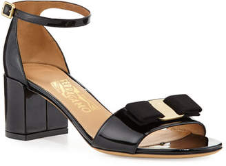 Salvatore Ferragamo Gavina Bow Patent City Sandals, Nero