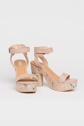 Ardene Embroidered Platform Heels
