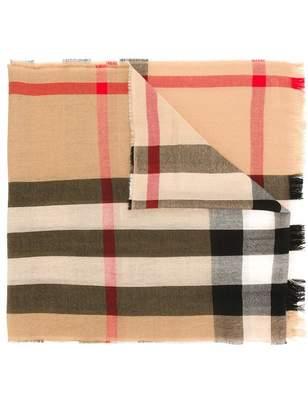 Burberry Men's 4004196 Wool Scarf