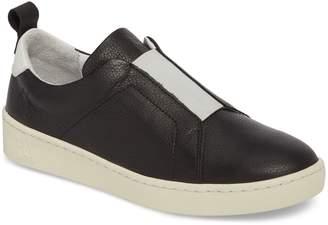 Fly London Mutt Slip-On Sneaker