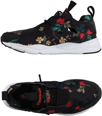 REEBOK Sneakers $136 thestylecure.com