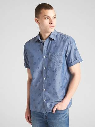 Gap Standard Fit Short Sleeve Print Shirt in Chambray