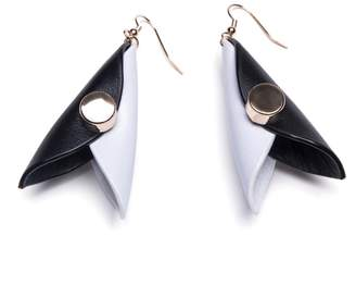 Ellia Wang - Mini Hug Earrings in Black & White