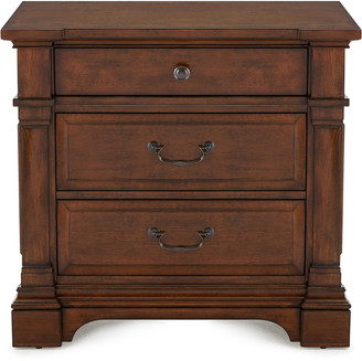 Hooker Furniture Ryland Three-Drawer Nightstand