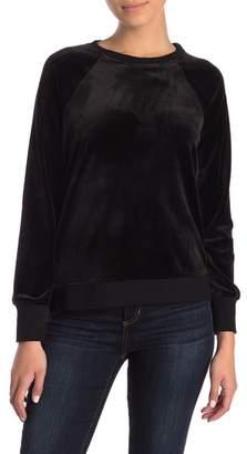 Cable & Gauge Solid Velour Sweatshirt (Petite)