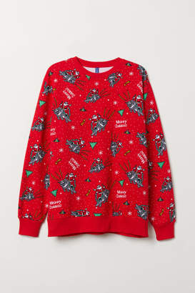 H&M Christmas Sweatshirt - Red