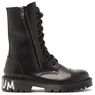 Vetements Dominium In Rectum Print Leather Boots - Mens - Black
