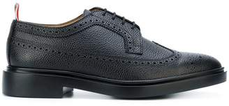 Thom Browne Classic Longwing Brogue With Lightweight Rubber Sole In Black Pebble Grain